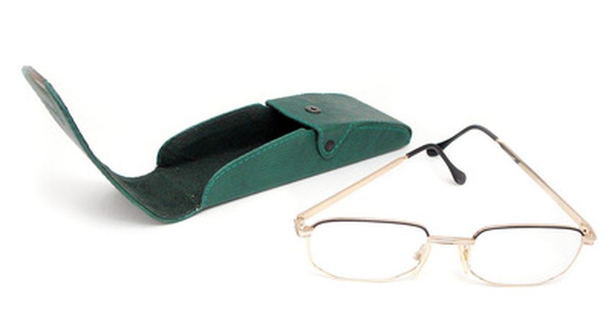 How to insert temple screws in spring hinge glasses frames ...