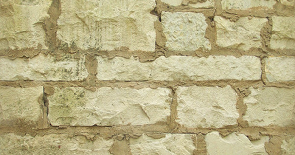 Marble Mortar Mix : How to build stone walls using concrete mortar ehow uk
