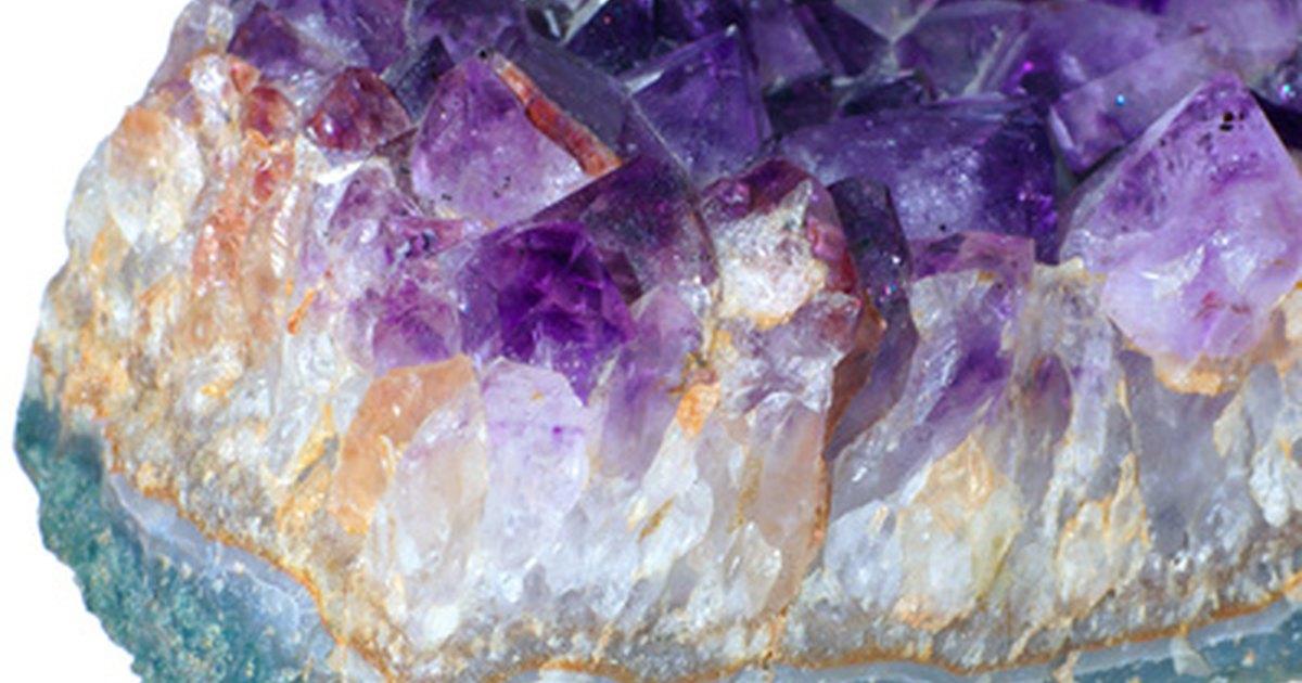 Cu l es el significado de las piedras de amatista ehow for Cual es el color piedra