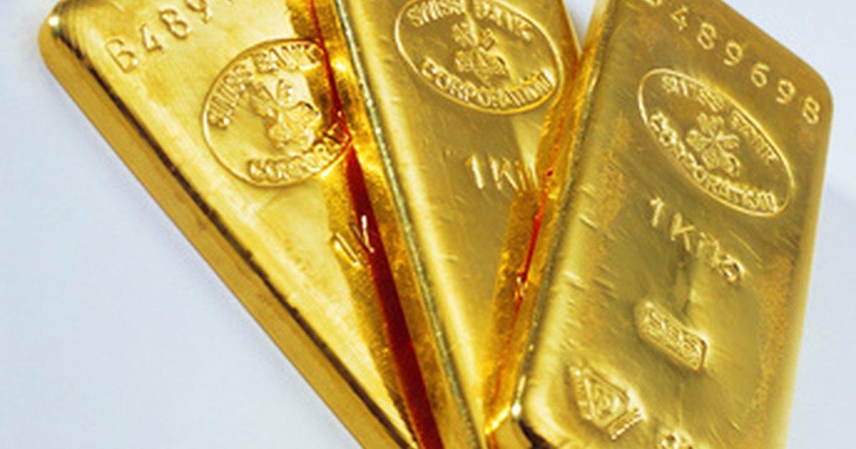 Gold Cake Decorations Uk : Best Gold Edible Wedding Cake Decorations eHow UK