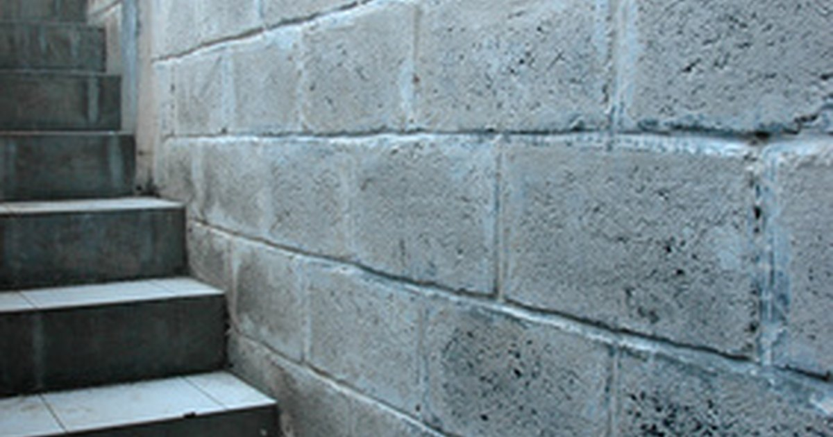Diy How To Make Steps Out Of Concrete Blocks Ehow Uk