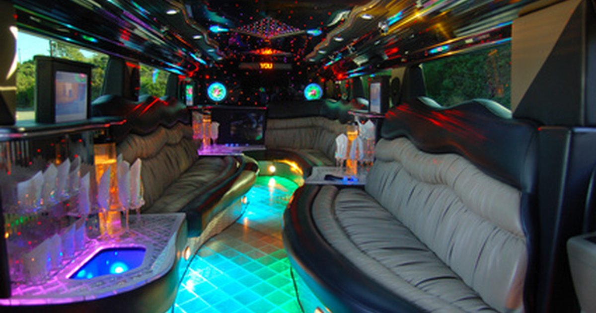 how much do limo rentals cost ehow uk. Black Bedroom Furniture Sets. Home Design Ideas