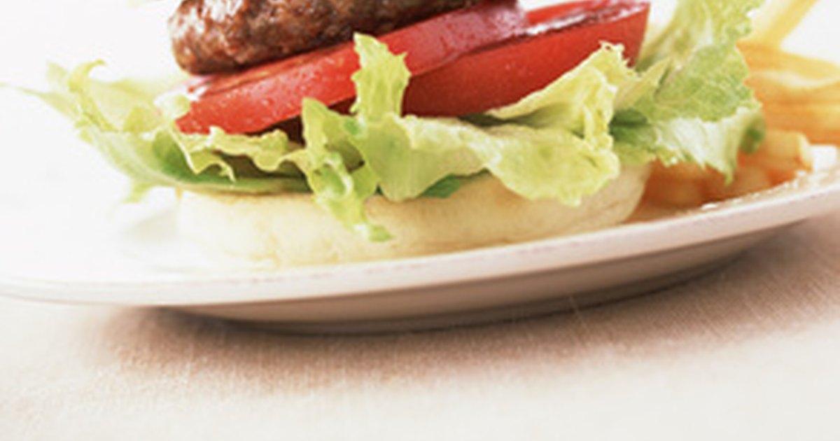C mo cocinar una hamburguesa en una sart n ehow en espa ol for Cocinar kale sarten