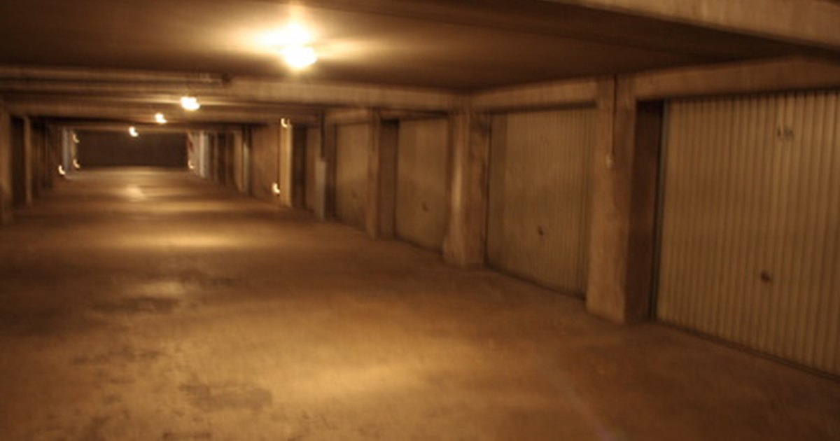 How to resurface a concrete garage floor ehow uk for How to clean your concrete garage floor
