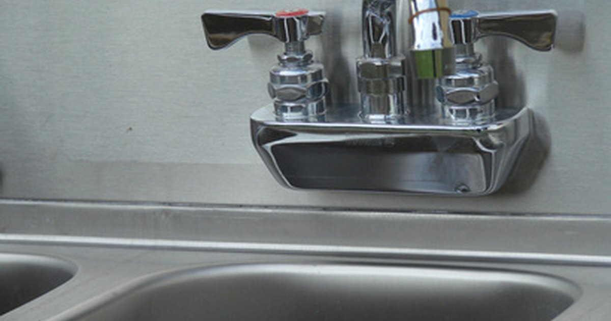 Composite Vs. Stainless Sinks eHow UK