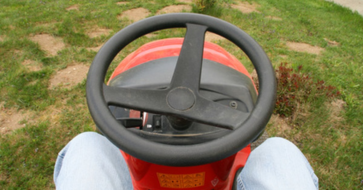 how to remove a tire from the simplicity riding lawn mower ehow uk. Black Bedroom Furniture Sets. Home Design Ideas