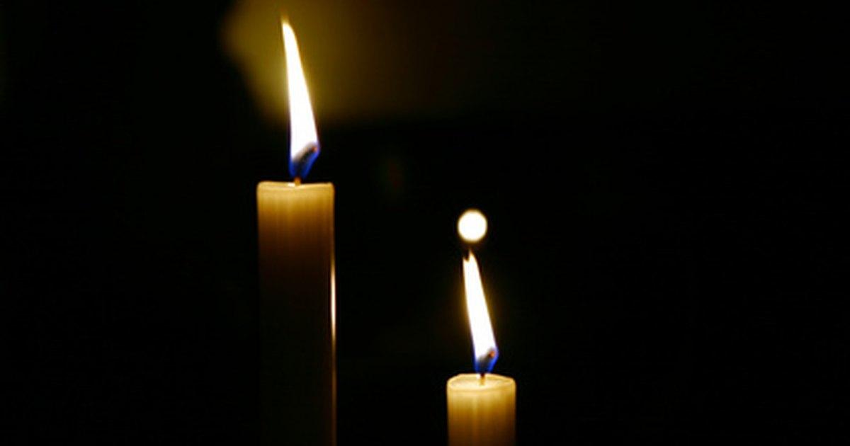 Deixar velas de molho em gua com sal faz com que queimem por mais tempo ehow brasil - Velas de agua ...