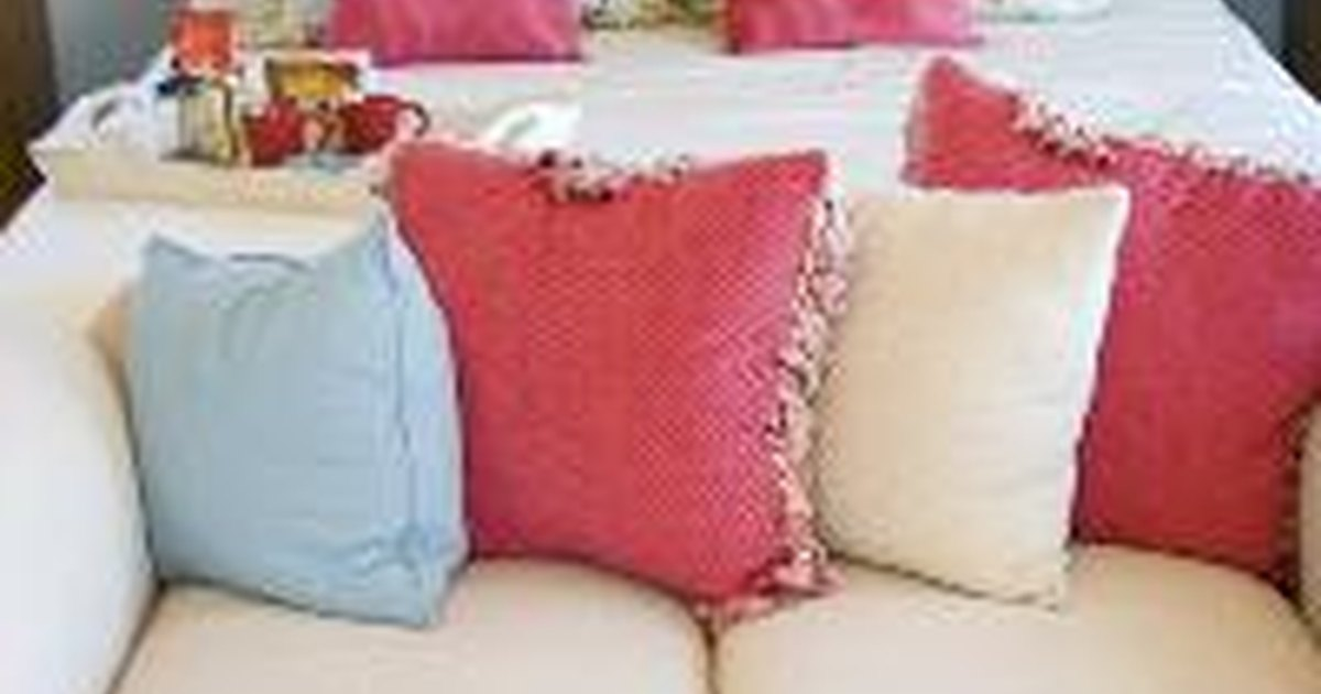 Homemade bedroom decorations ehow uk for Homemade bedroom decorations