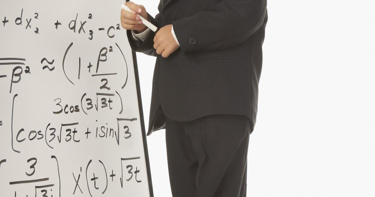 es el número volteado, por ejemplo de 3/5 su recíproco o inverso es 5/3. en el caso de los enteros (cómo tiene un uno abajo, como ¿Qué es el recíproco, cómo se calcula?.