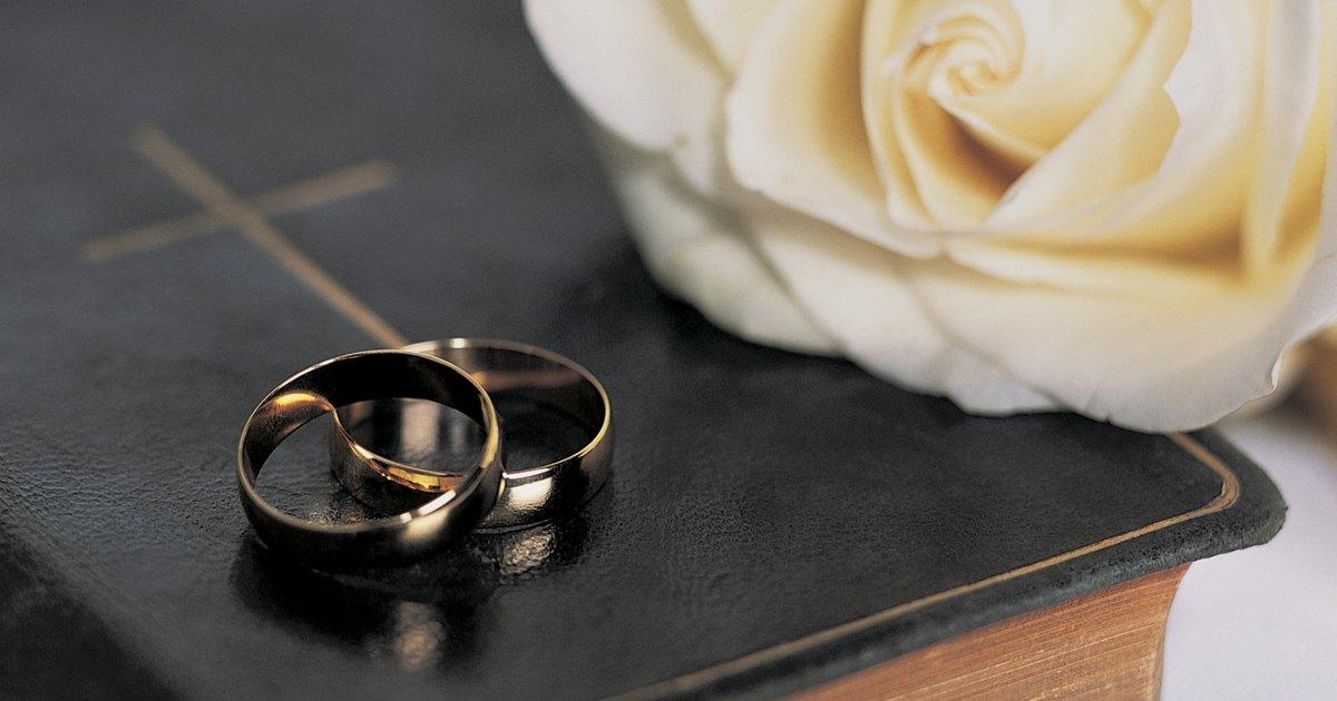Matrimonio Catolico Votos : Un típico voto matrimonial ehow en español