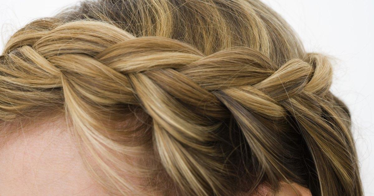 Las pulgas de la foto en los cabellos como curar