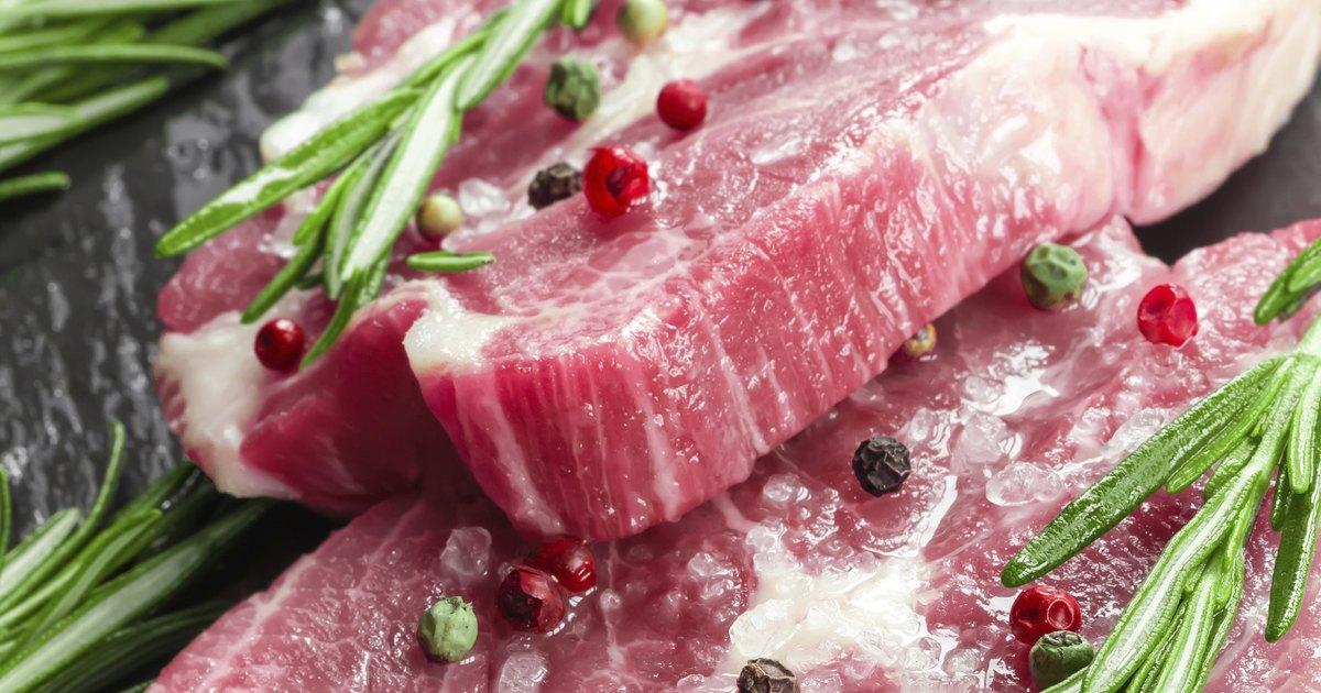 C mo cocinar medallones de lomo de cerdo ehow en espa ol for Como cocinar manos de cerdo