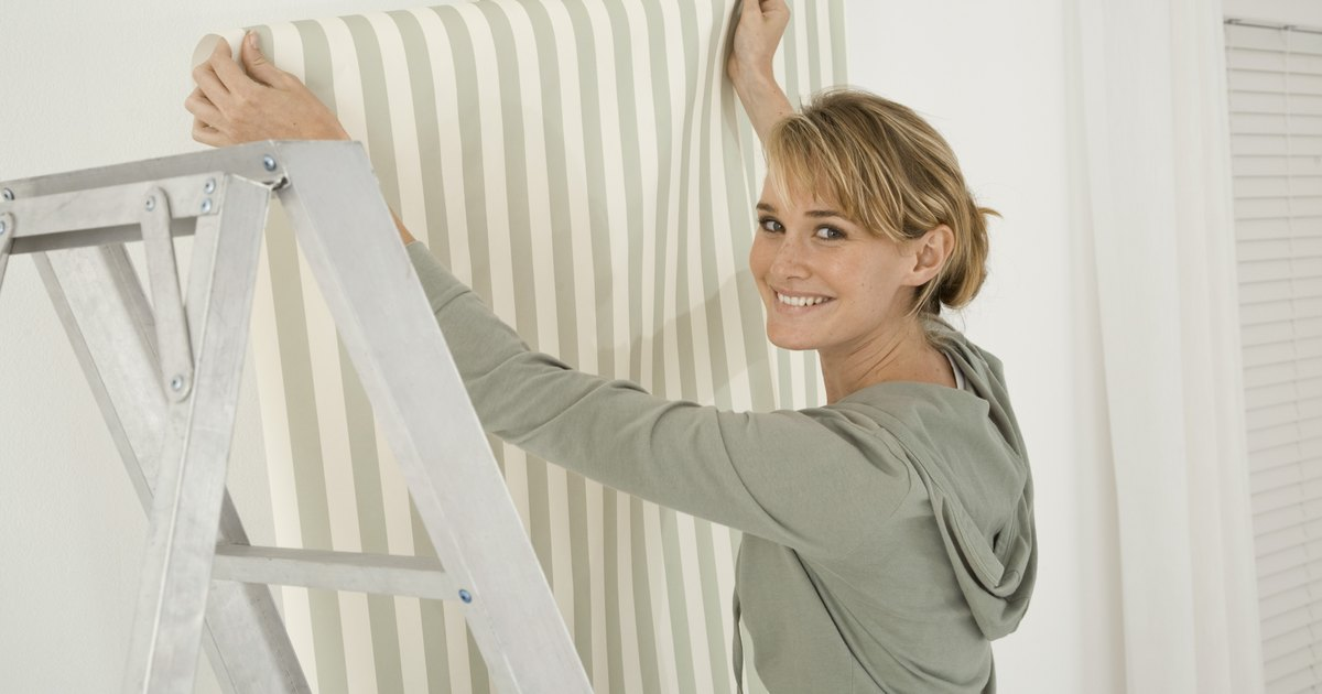 Como aplicar papel de parede sobre azulejos de cer mica - Aplicar microcemento sobre azulejos ...