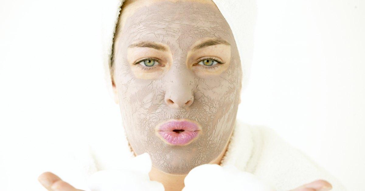 El efecto de la máscara del pepino para los ojos