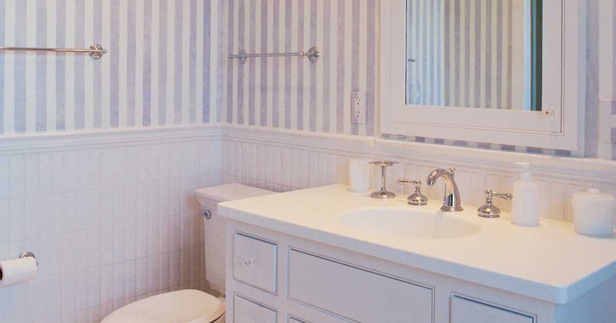 Small & fast grey bugs in the bathroom | eHow UK