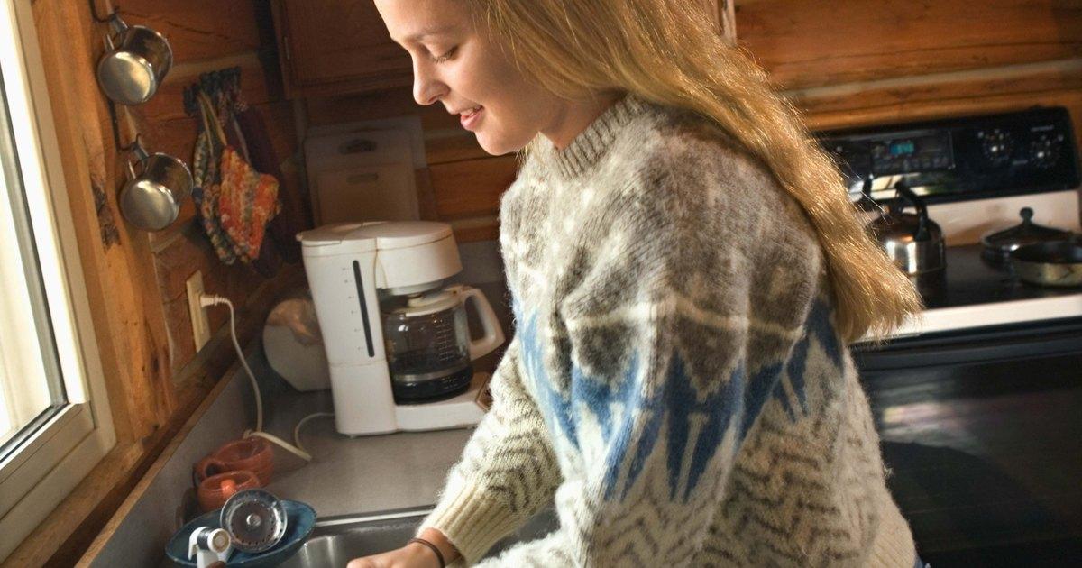 Qu puedo hacer si mi fregadero de cocina se atasca - Desatascar fregadero cocina ...