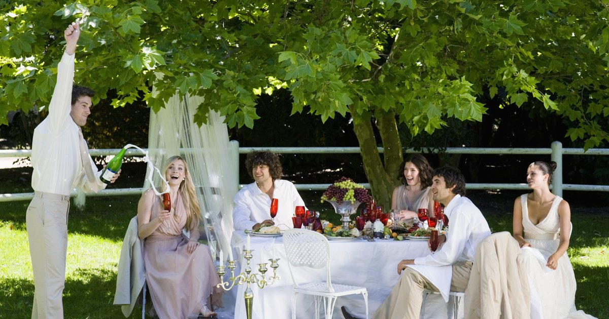 How Much Does It Cost To Cater A Wedding