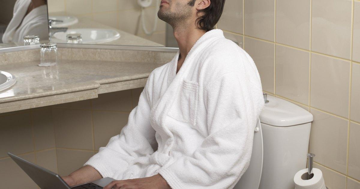 C mo instalar un aro de goma en un inodoro ehow en espa ol for Que es inodoro
