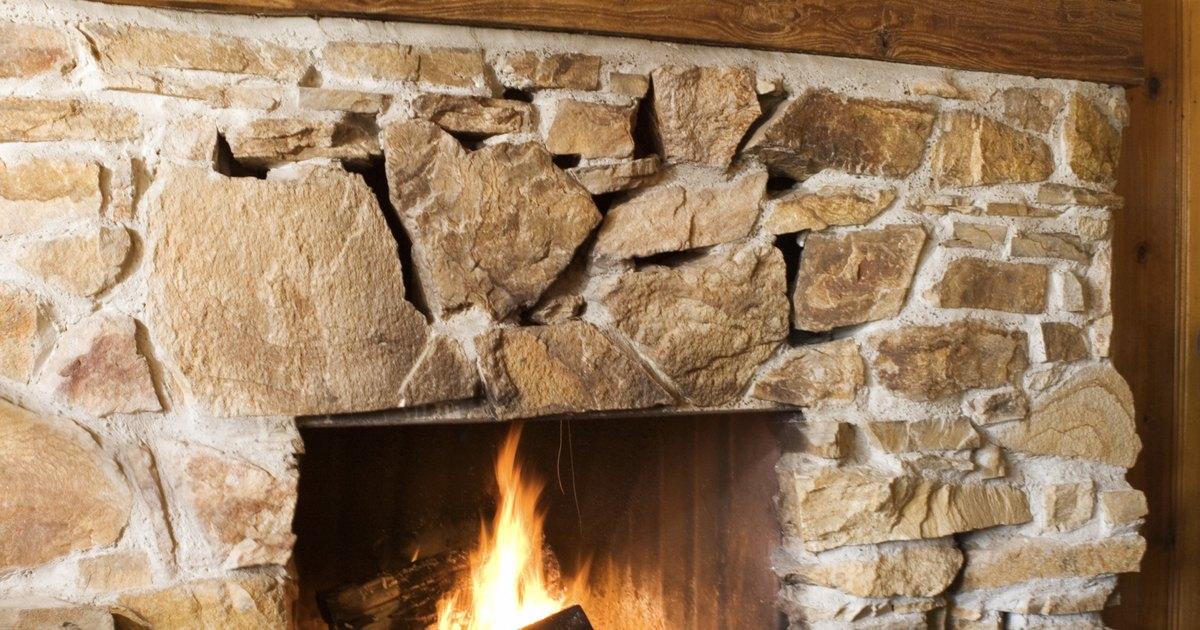 C mo limpiar una chimenea con entorno de piedra ehow en - Como limpiar chimenea ...