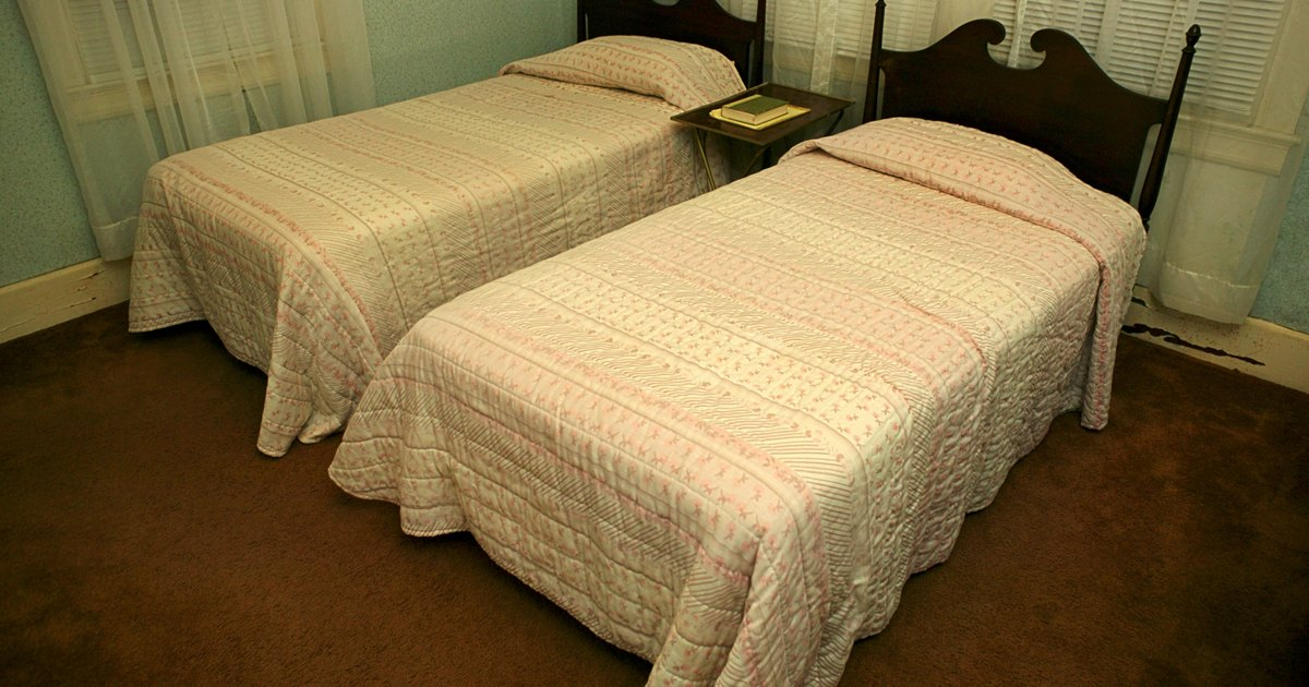 how to make your own sofa from a twin mattress ehow uk. Black Bedroom Furniture Sets. Home Design Ideas