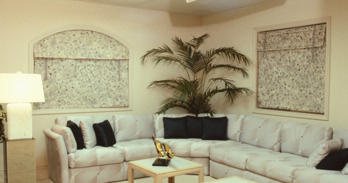 How To Decorate Behind A Corner Sectional Couch Ehow Uk