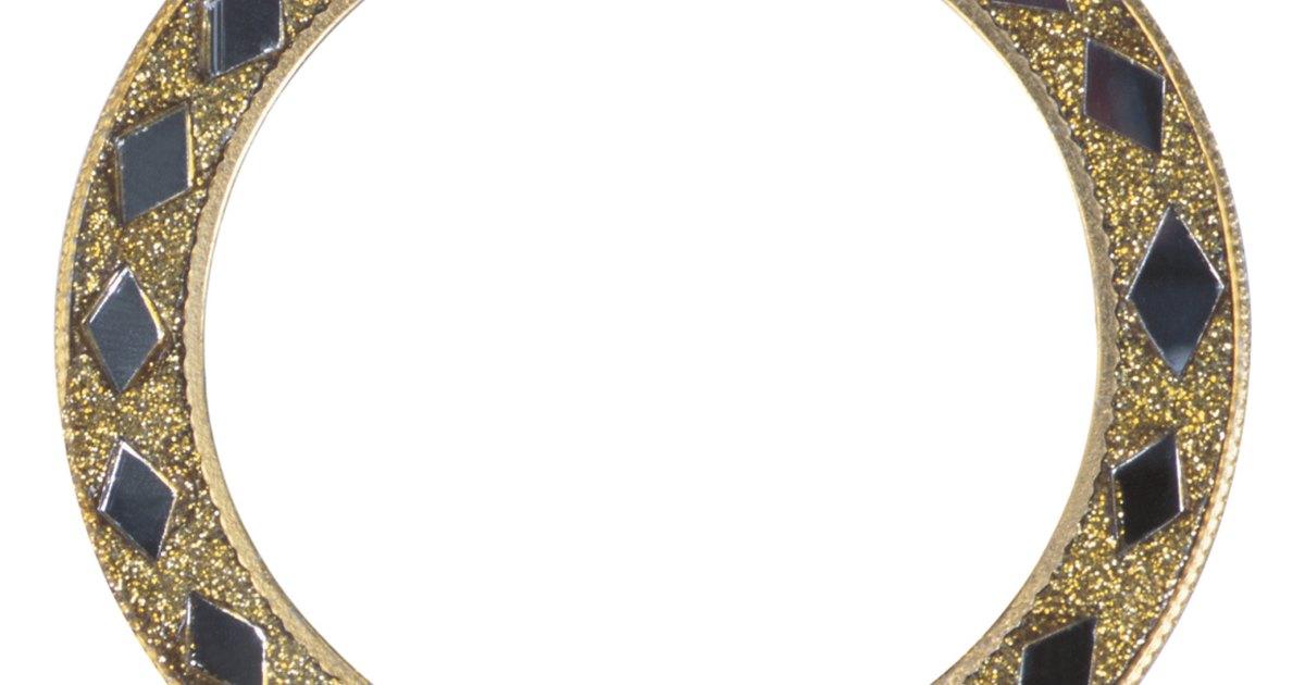 C mo hacer bordes para espejos de pared ehow en espa ol for Espejo con borde biselado