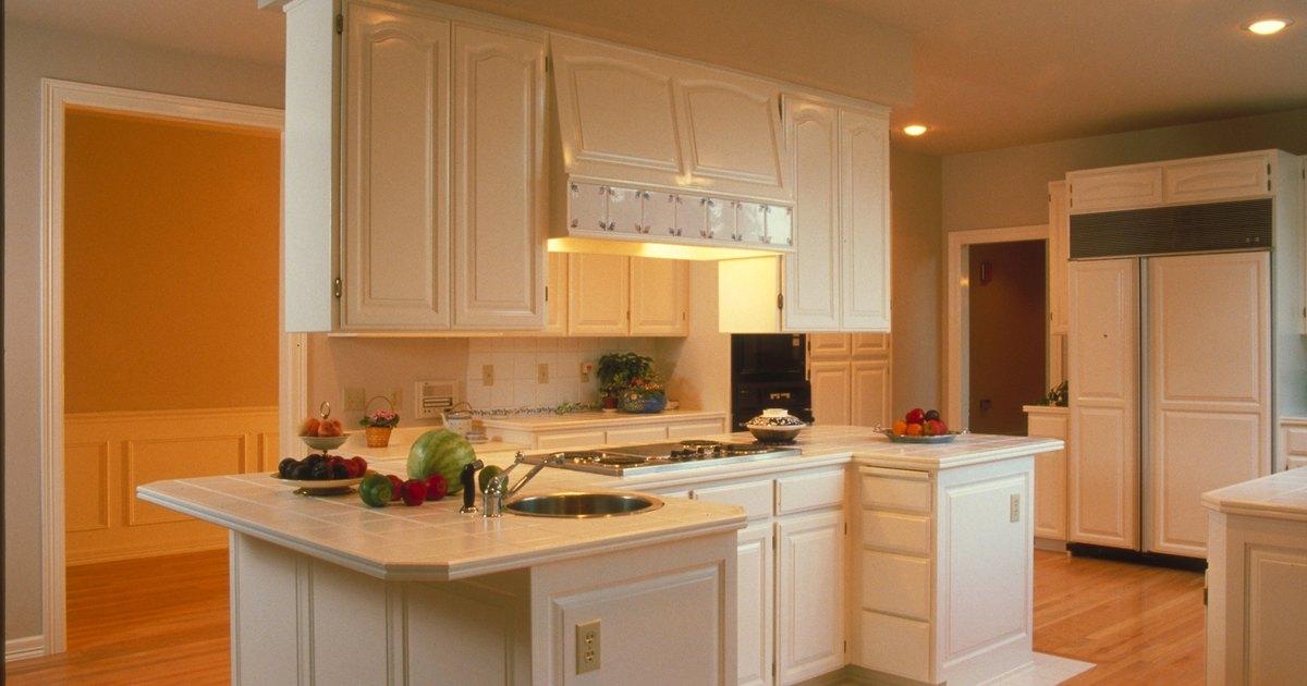 Qu tama os tienen los muebles de cocina altos ehow en for Muebles de cocina altos