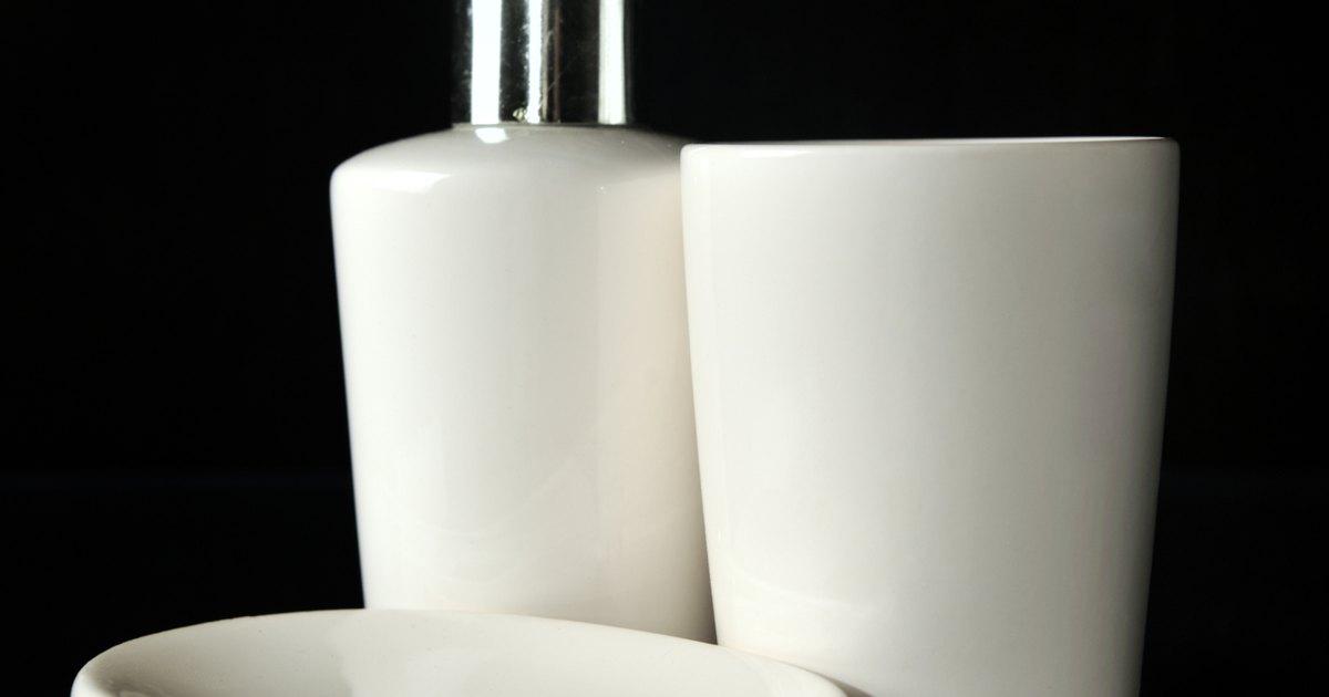 Ideias Para Banheiro Preto E Branco : Ideias para decorar um pequeno banheiro preto e branco