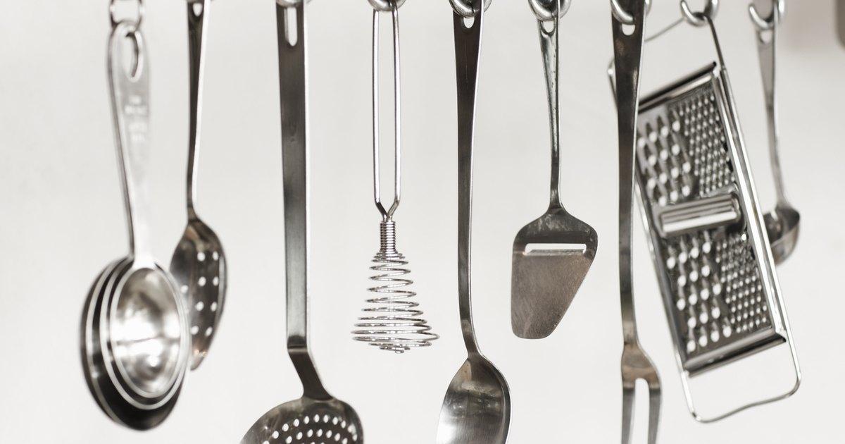 Herramientas de cocina y sus funciones ehow en espa ol for Ayudante de cocina funciones