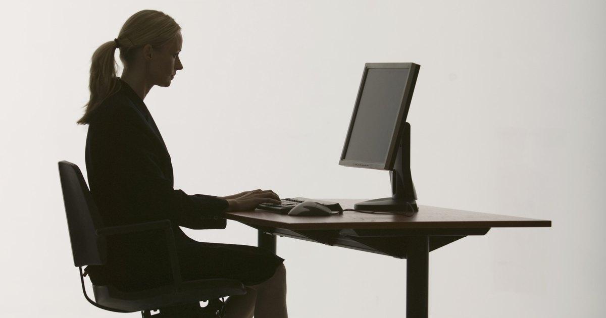 La altura correcta para un escritorio ehow en espa ol for Altura de un escritorio