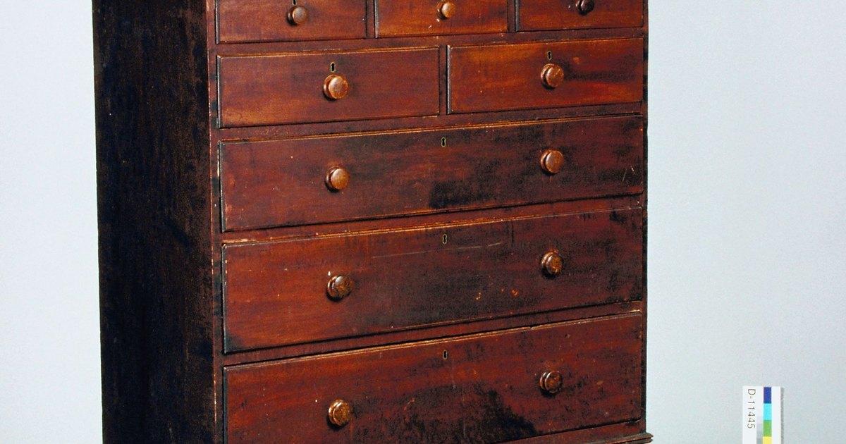 C mo agregar gu as de cajones en los tocadores antiguos - Cajones de madera antiguos ...