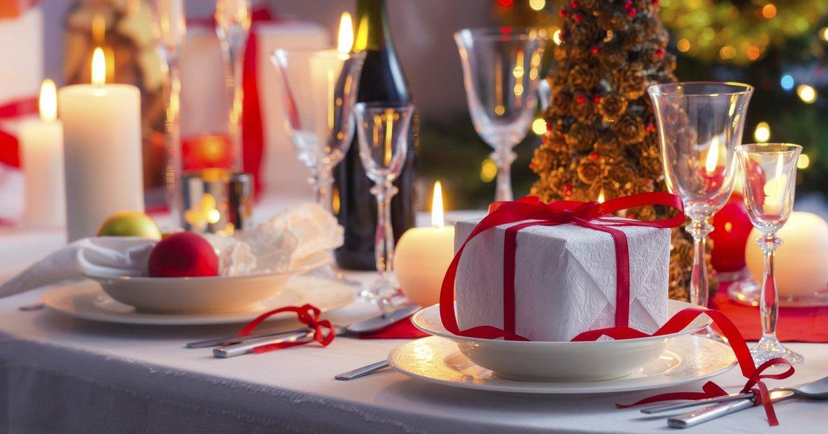 C mo decorar la mesa perfecta para la cena de navidad for Decorar mesa navidad para cena