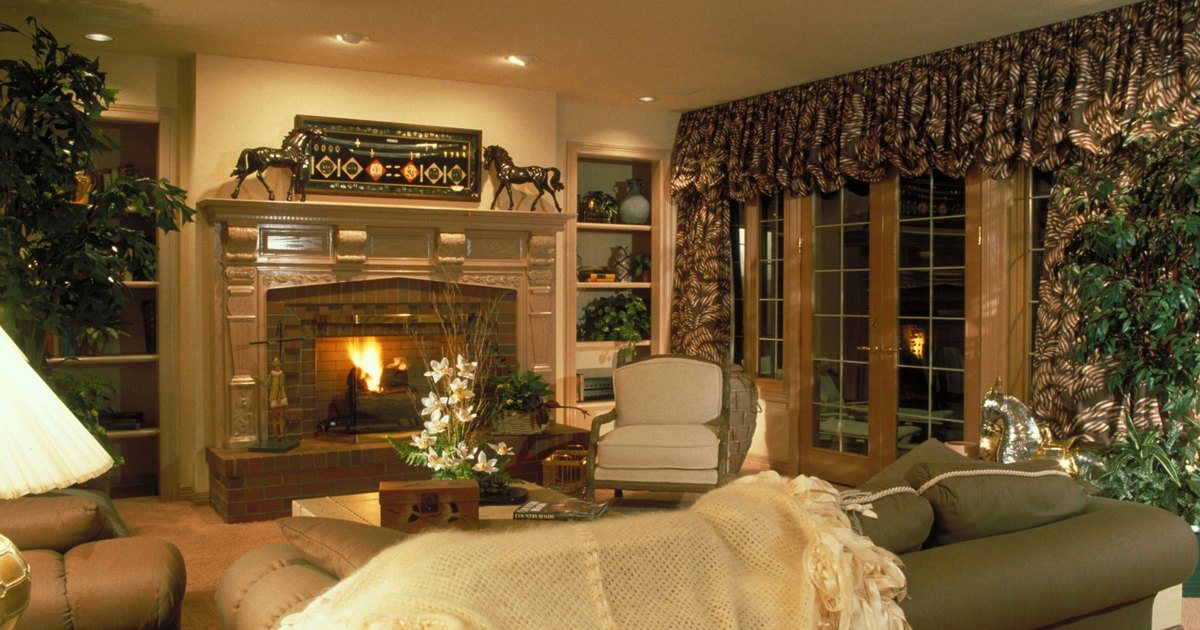 How to arrange furniture around a fireplace and tv ehow uk for Arranging furniture with fireplace and tv