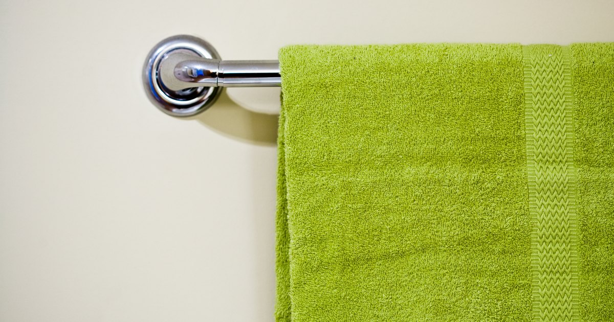 The Standard Height For A Bathroom Towel Rack Ehow Uk