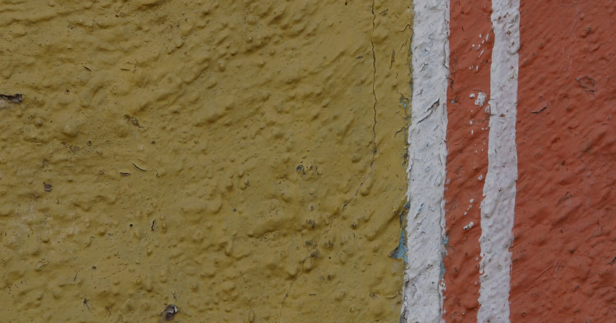 Como pintar linhas e faixas retas em paredes irregulares for Como alisar paredes irregulares