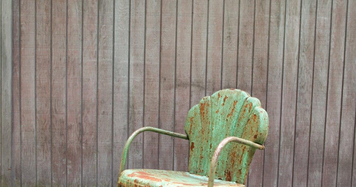 C mo usar la t cnica decoupage sobre tela en sillas ehow - Sillas estilo espanol ...