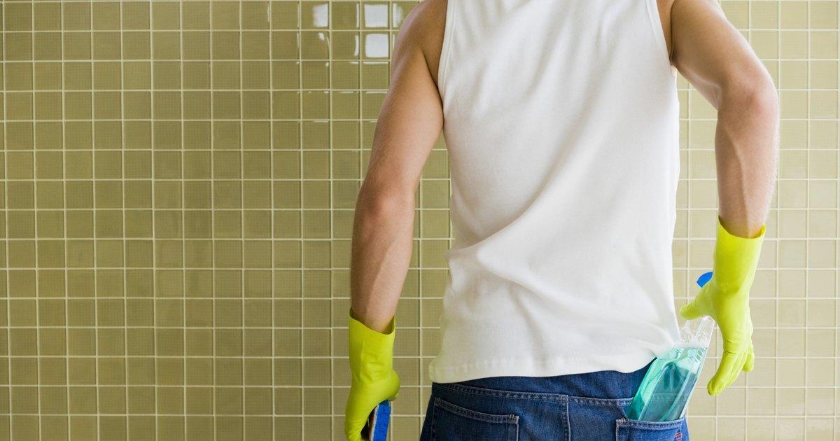 C mo quitar moho negro de las paredes de la ducha ehow - Como quitar moho de la pared ...