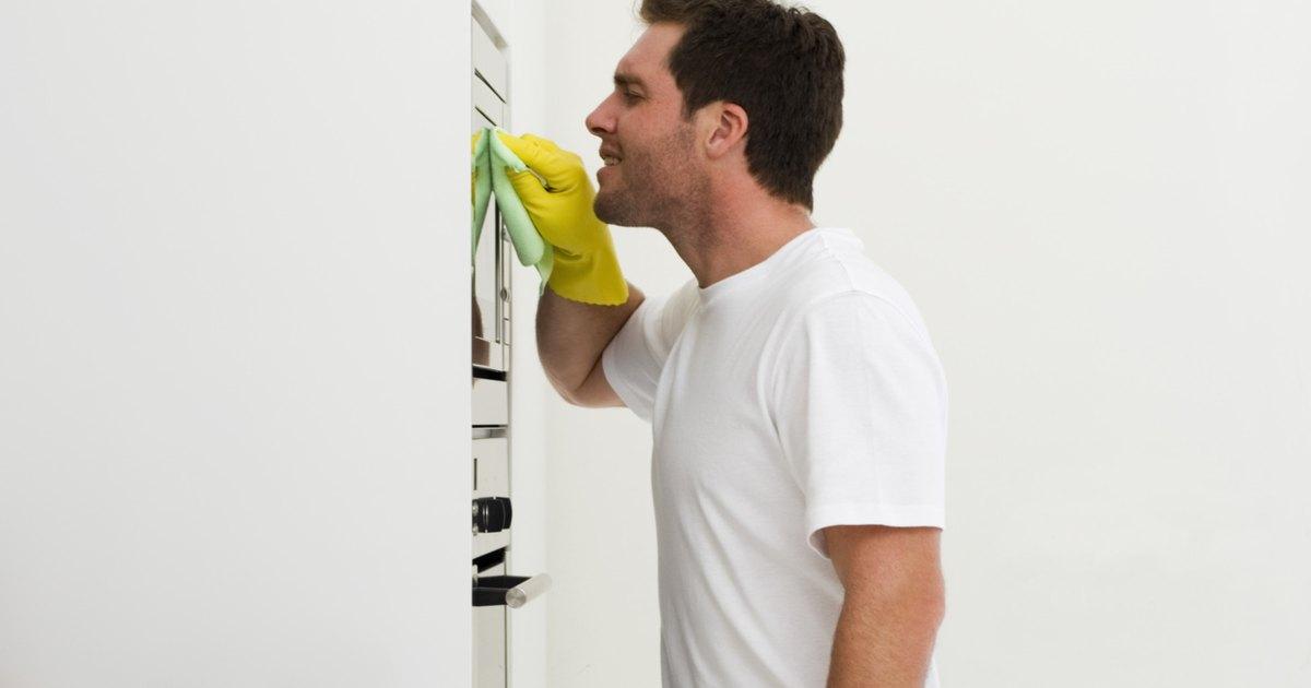 C mo quitar los malos olores de un refrigerador ehow en - Como quitar malos olores ...