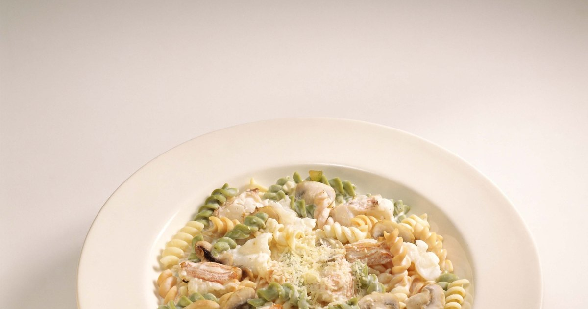 C mo cocinar pasta carbonara ehow en espa ol for Cocinar noodles