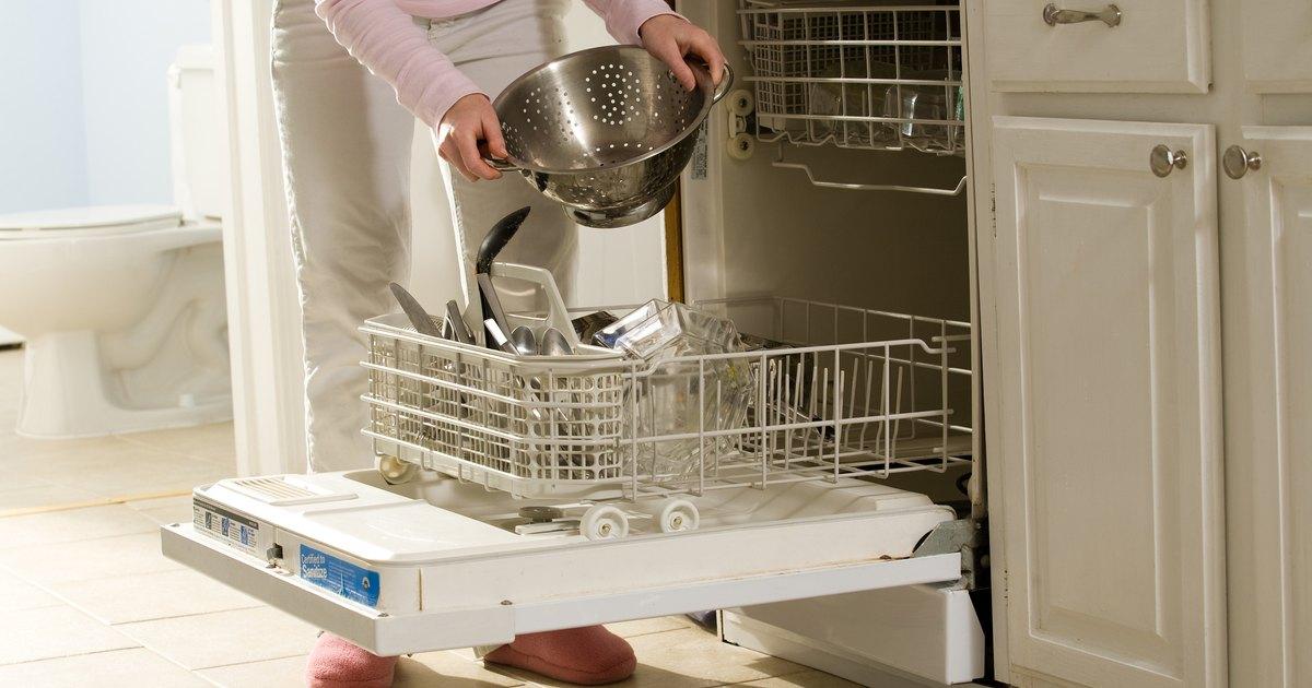 C mo limpiar los orificios obstruidos del brazo rociador - Como limpiar un lavavajillas ...
