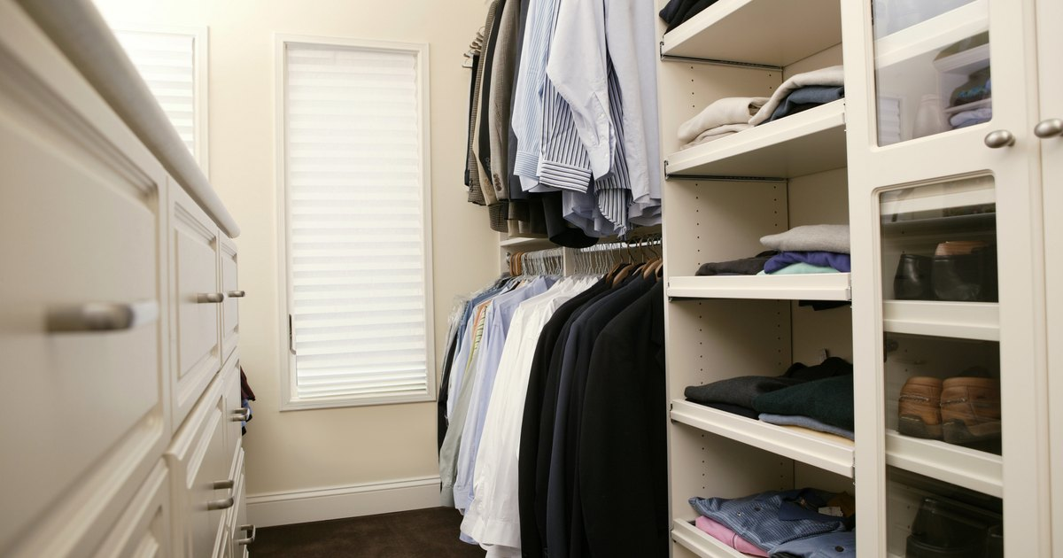 How to design your own walk in closet ehow uk for Adding a walk in closet