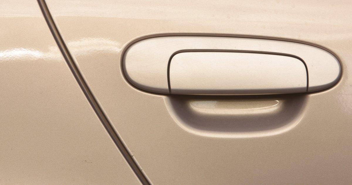 Como reparar un golpe en un coche tattoo design bild - Quitar rayones coche facilmente ...