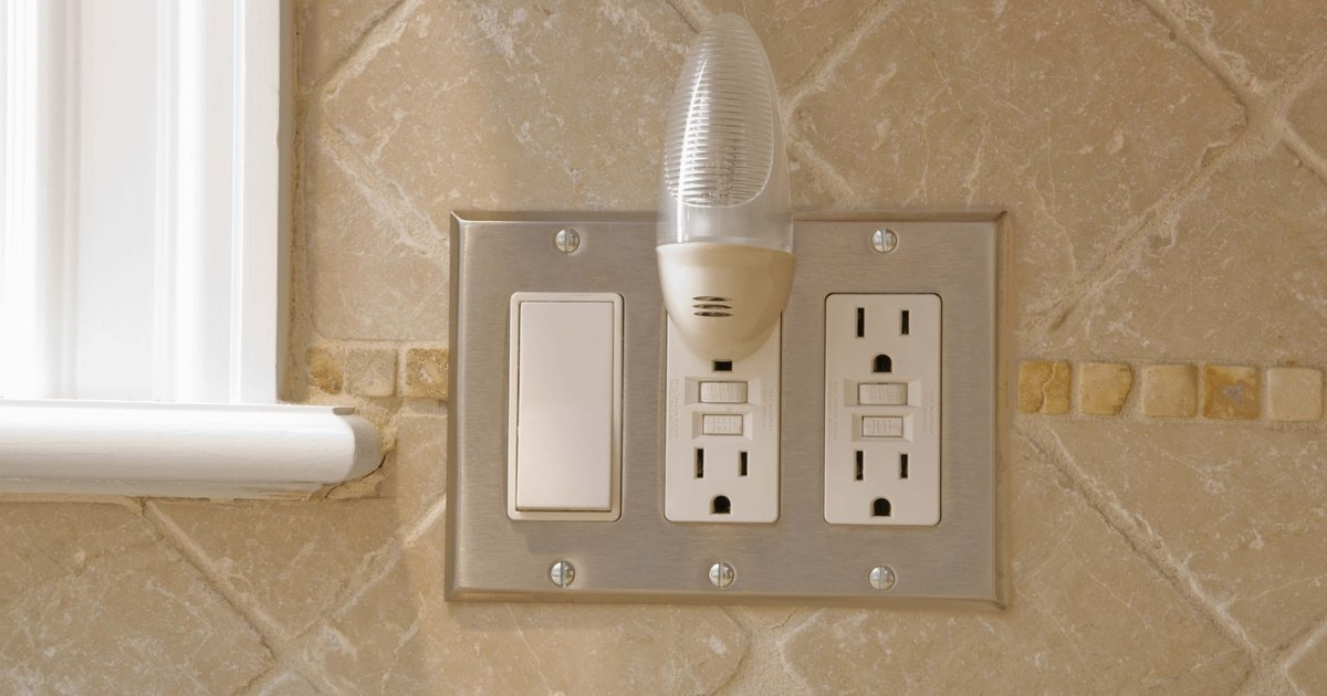 How To Connect An Electrical Plug Outlet To A Light Switch