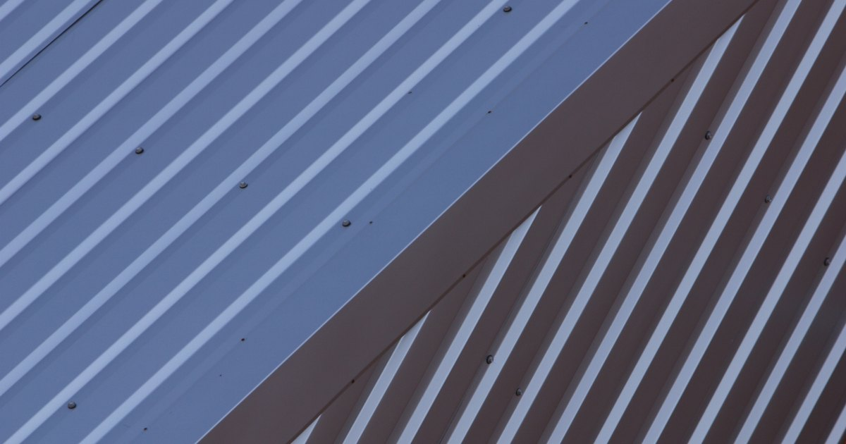 How To Install Metal Roofing With Screws Ehow Uk