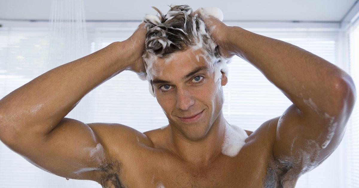 Todos los medios por la partida y el tratamiento de los cabello