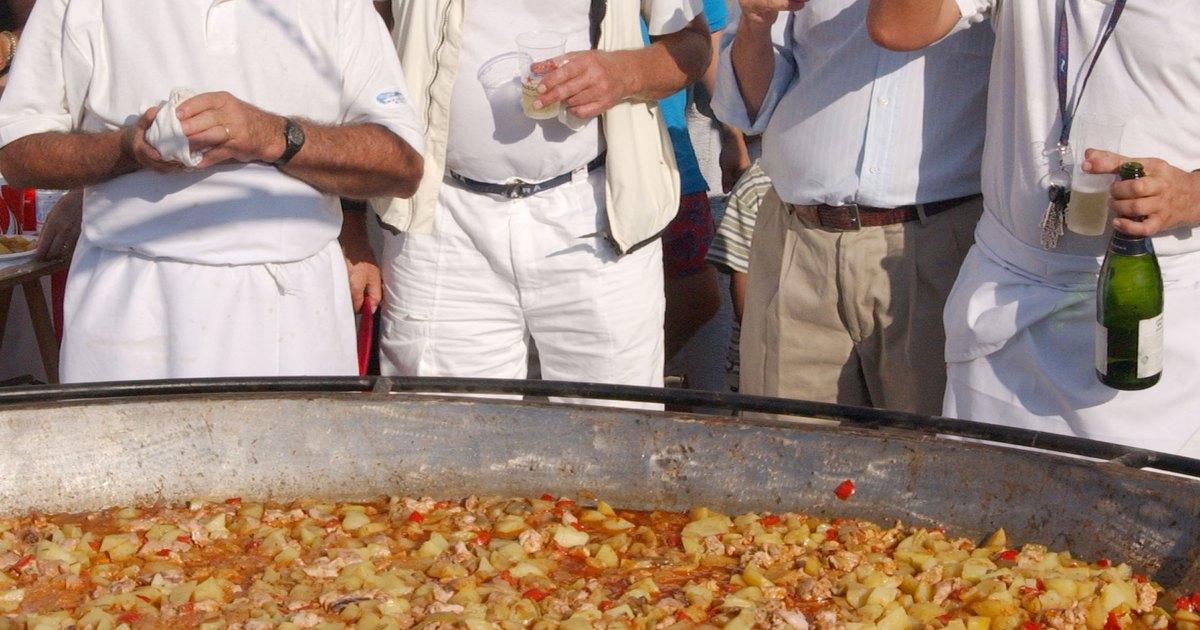C mo cocinar una paella para 100 ehow en espa ol for Como cocinar judias
