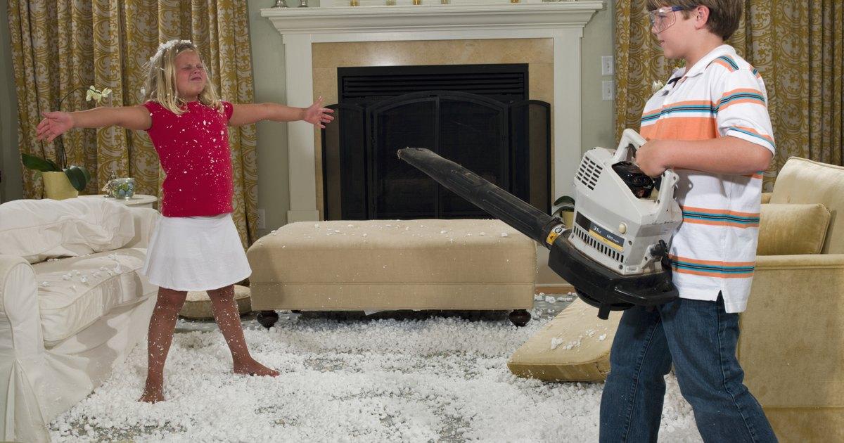 C mo limpiar un sof con espuma seca ehow en espa ol - Como limpiar un sofa ...