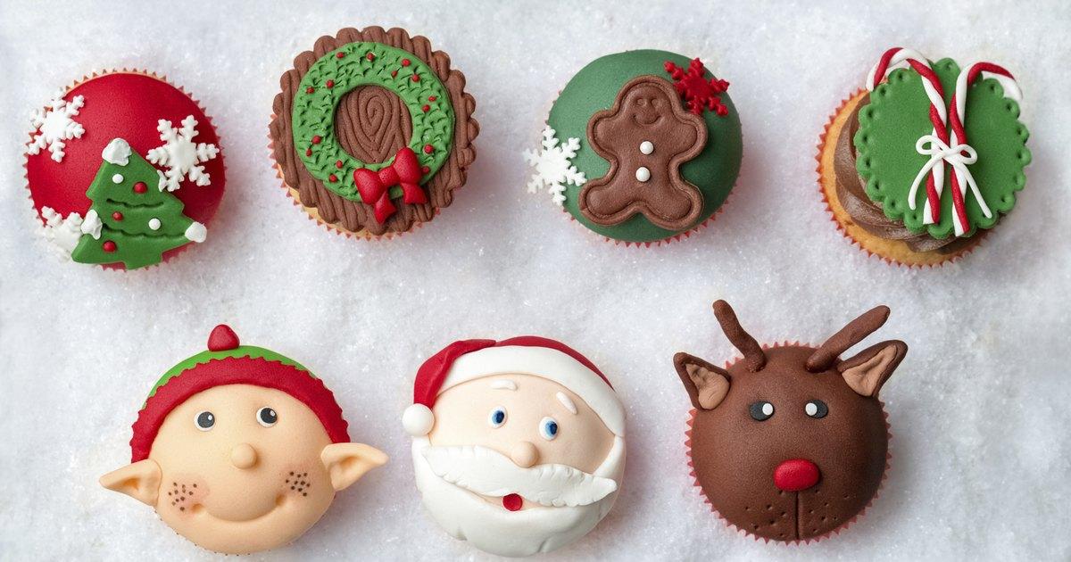 C mo decorar un rbol de navidad con dulces ehow en espa ol - Como se decora un arbol de navidad ...