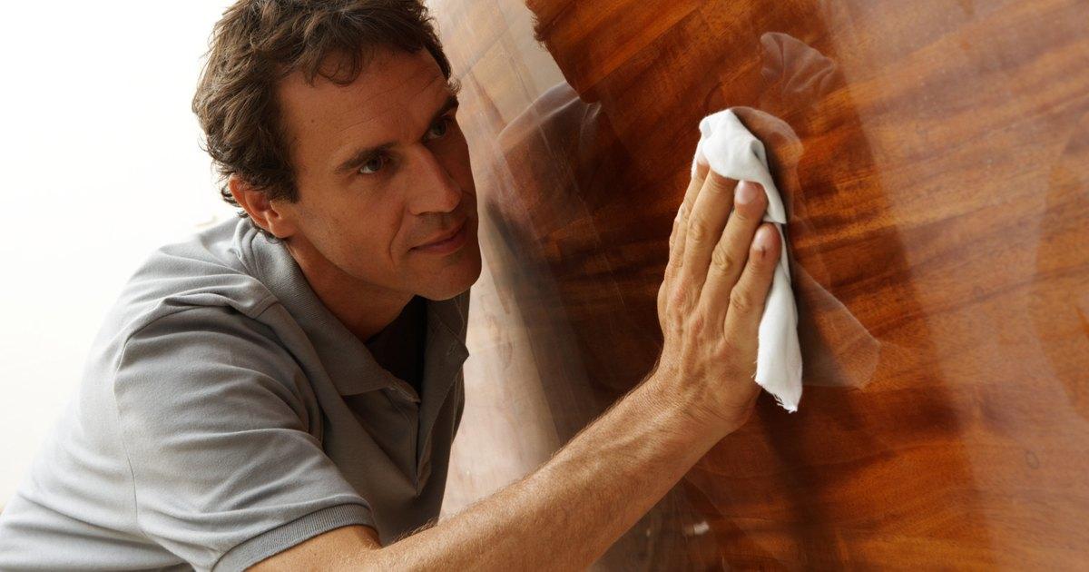 C mo limpiar tus muebles de madera con aceite y vinagre for Como limpiar muebles de madera