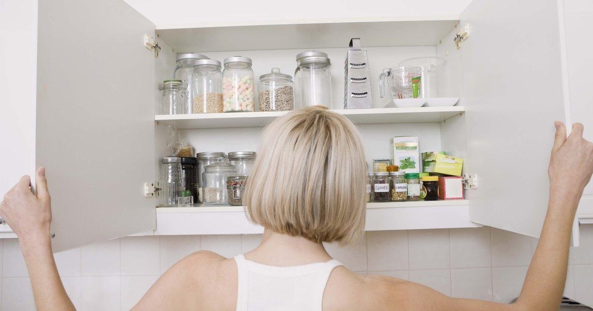 Puedes poner papel tapiz en los armarios de melamina for Papel decorativo para armarios
